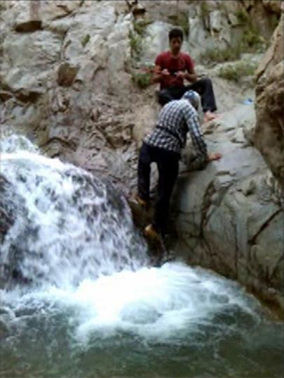 http://up.sahand-k.ir/view/685829/IMG_722.jpg